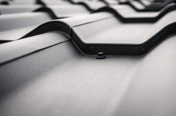 Wat voor werkzaamheden verricht een dakdekker?